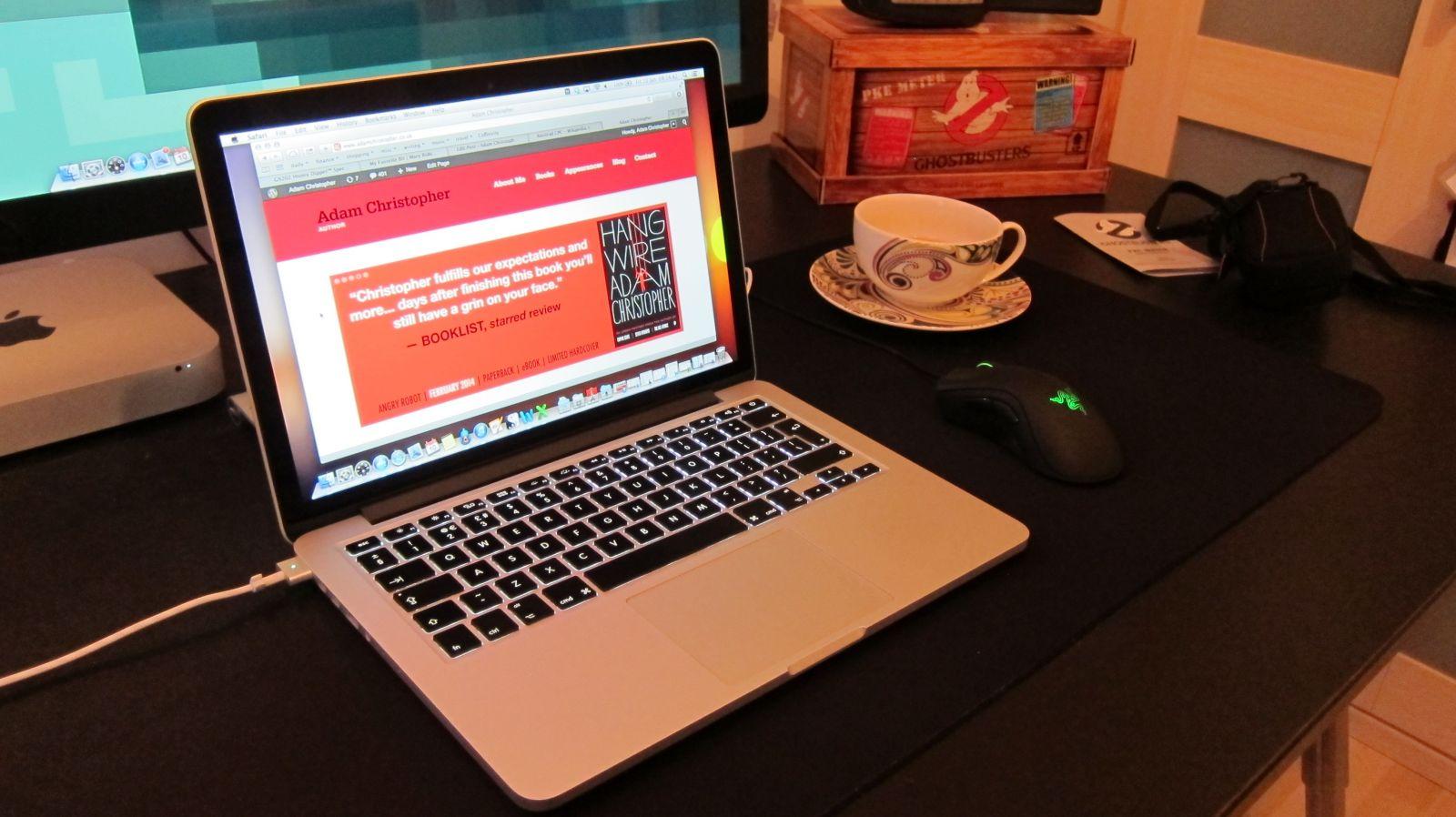Pin laptop Macbook giá rẻ