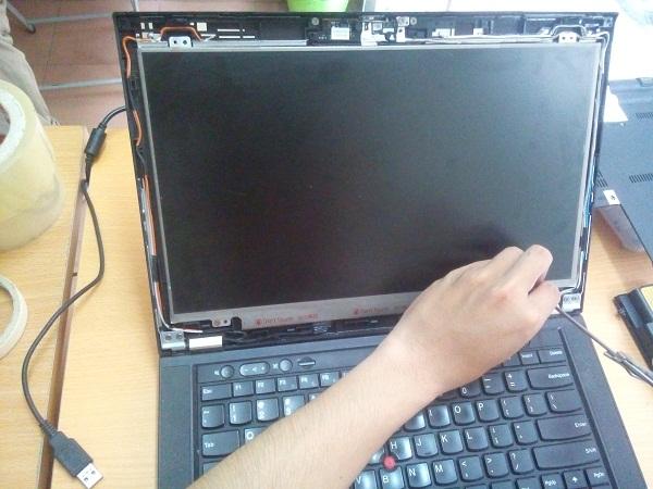 Màn hình Laptop IBM