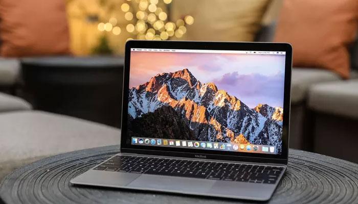 Ảnh thay loa Macbook tại hienlaptop.com