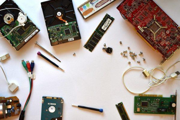 Nhanh chóng, chất lượng, nhiệt tình là những ưu điểm mà nhiều người cảm nhận được khi lựa chọn công ty sửa chữa máy tính Hiển Laptop.