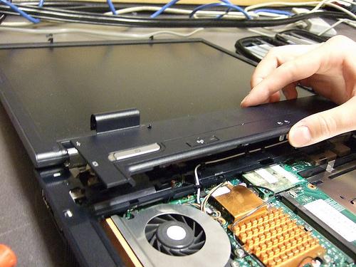 Sửa chữa và thay thế linh kiện nhanh chóng lấy ngay tại Hiển Laptop