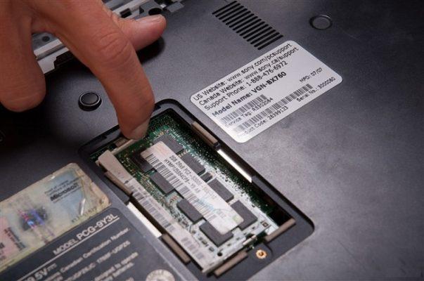 Thực hiện nâng cấp ram laptop tphcm cho máy chạy mượt